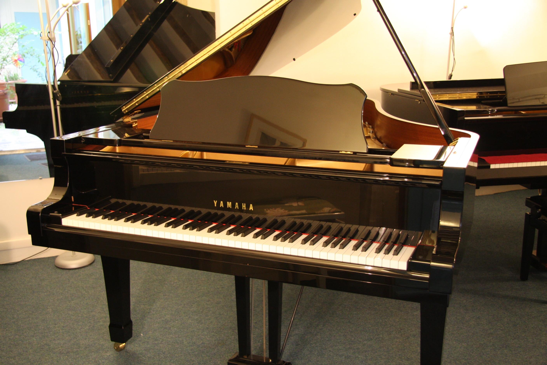 yamaha c6 1 2 queue 212 cm pianos beaumarchais. Black Bedroom Furniture Sets. Home Design Ideas