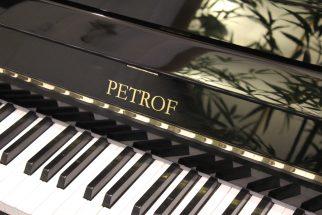PETROF 125 Laqué Noir